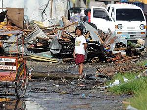 Filipinler'deki Felaketin İzleri Silinmiyor