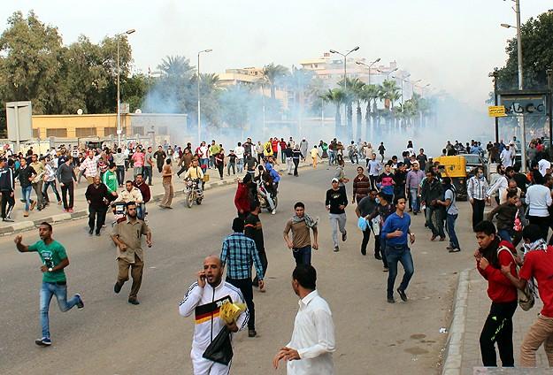 Mısır'da Darbe Karşıtı Gösterilere Müdahale (FOTO)