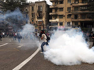 Mısır'da Öğrenci Gösterileri Sürüyor