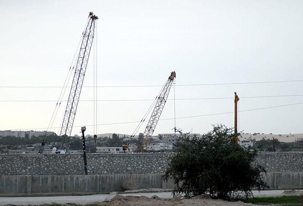 İsrail Mısır İle Olan 245 Kilometrelik Sınırını Kapattı