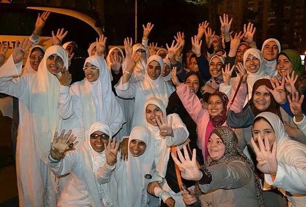 """""""Sabah 7 Hareketi"""" Üyesi Genç Kızlar Serbest"""