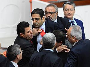 """""""Türkiye Kürdistanı"""" İfadesi Rapordan Çıkartıldı"""