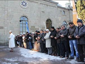 Abdülkadir Molla Birçok Şehirde Gıyabi Cenaze Namazı Kılındı