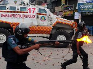 Bangladeş'te Barışçıl Gösterilere Kanlı Müdahale