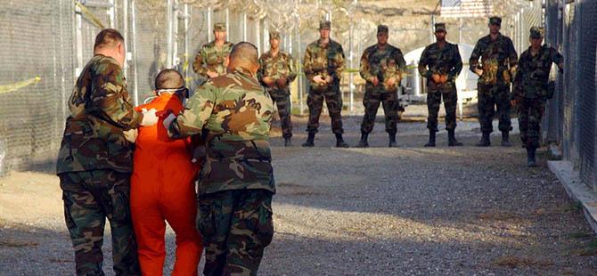 Guantanamo'da Suudili İki Tutsak Serbest Bırakıldı