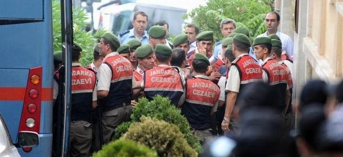 İstanbul'daki 2. KCK Davasında 4 Tahliye