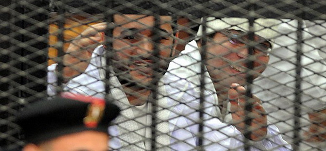 """Mısır'da """"Devrimin Aktörlerine"""" Hapis Cezası"""