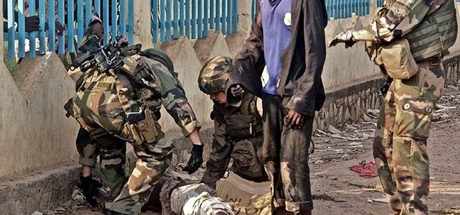 """""""Fransa Hristiyan Milisleri Silahlandırıyor"""""""