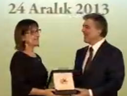 Gül, Büyük Ödülü Ahmet Kaya'ya Verdi