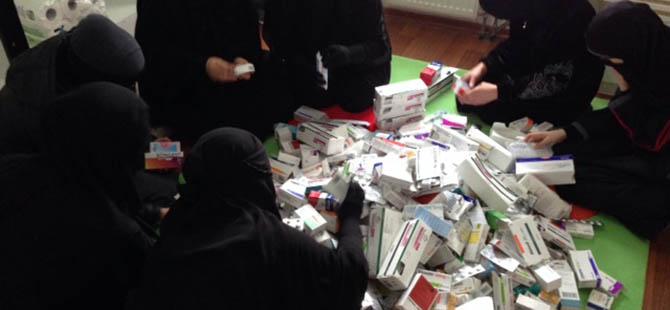 Şehit Hanımları Suriye İçin İlaç Topladı