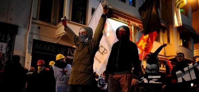 Ankara ve Taksim'de İzinsiz Gösteriye Müdahale