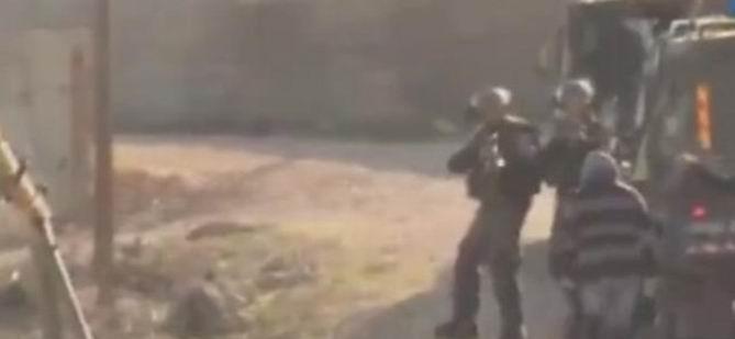 Siyonist  Askerler Filistinli Kızı Vurdu