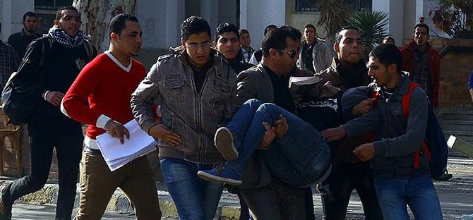 Mısır'da Darbe Karşıtı Gösterilerde 20 Yaralı