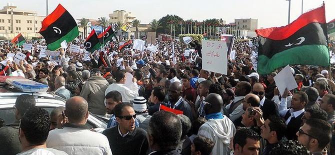 Libya'da Hükümet Kurumları Kuşatma Altında