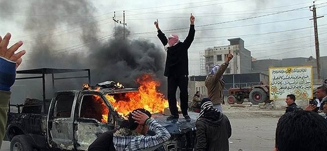 Irak'ta Askerlerle Aşiretler Arasında Çatışma