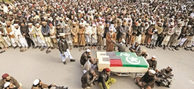 Pakistan'da Sünni Lidere Suikast