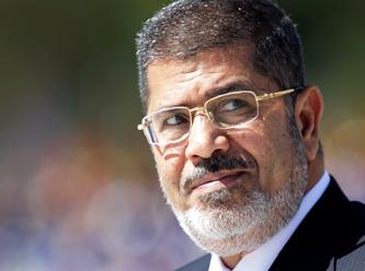 """Mursi Yine Dik Durdu: """"Mahkemeniz Geçersizdir!"""""""