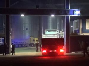 Hatay'daki Tırı İzleyenler Polis Çıktı