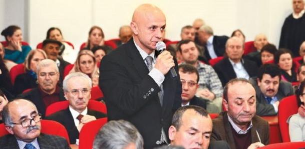 Rahatsız CHP'li: Ezanı Kasetten Dinlesinler!