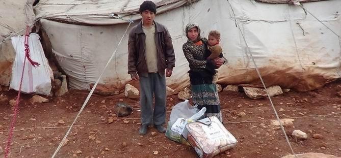 İMKANDER Varil Bombalarıyla Vurulan Bab'da Yardım Dağıttı