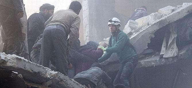 Esed Karadan ve Havadan Bombaladı: 64 Ölü