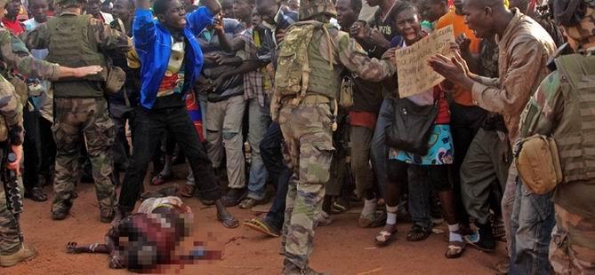 2 Köyde 50 Kişi Öldürüldü