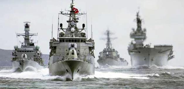 Türkiye Savaş Gemisinden Rumlara Müdahale