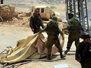İsrail Askerlerinden Çadır Köye Baskın