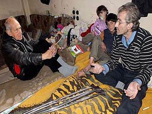 Katolik Rahip, Humus'taki Açlık ve Kuşatmayı Anlattı