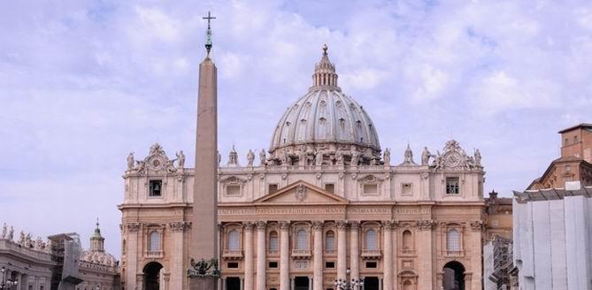 """AİHM'den Vatikan'ın """"cinsel istismar"""" davasına ret: Egemen dokunulmazlığa sahip"""