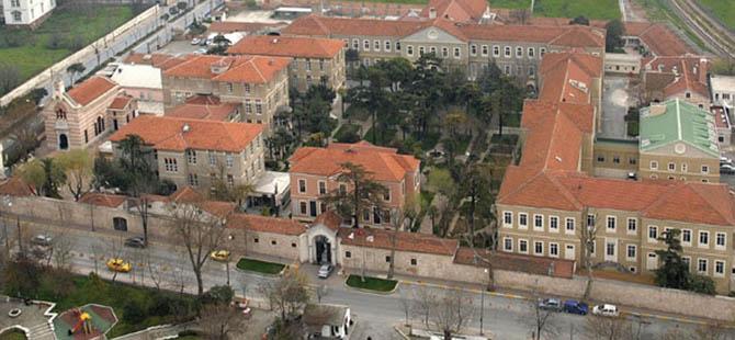 Ermeni Vakfın El Konulan Arazisi İade Edildi