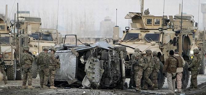 NATO Konvoyuna Saldırı: 6 Ölü