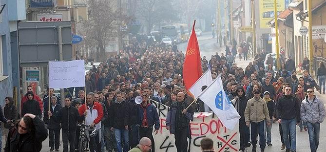 Bosna Hersek'te Protesto Gösterisi