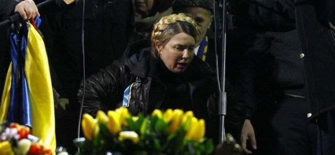 Timoşenko Kiev'de Protestoculara Seslendi