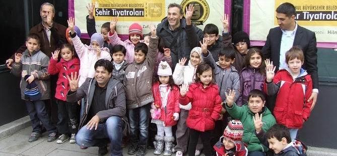 GOP Özgür-Der'den Muhacir Çocuklara Tiyatro Etkinliği