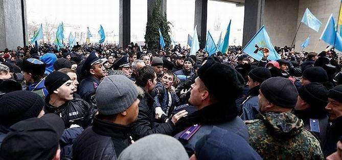 Kırım'daki Olaylarda 26 Yaralı
