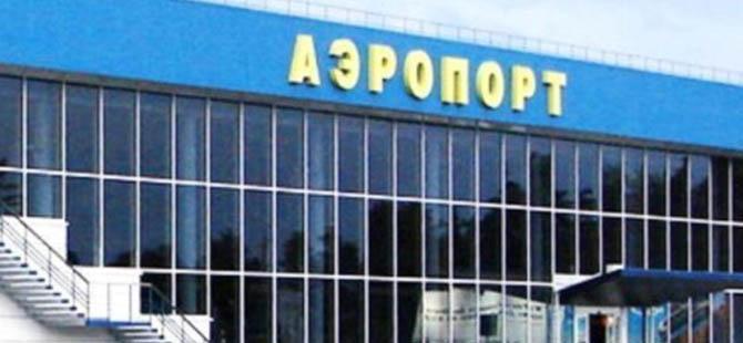 Kırım'da Akmescit Havaalanı İşgal Edildi