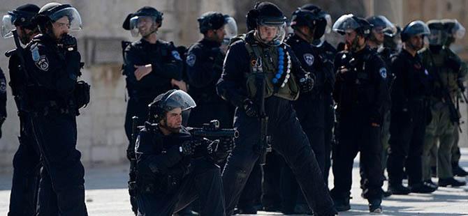 Batı Şeria'da 17 Filistinli Gözaltına Alındı