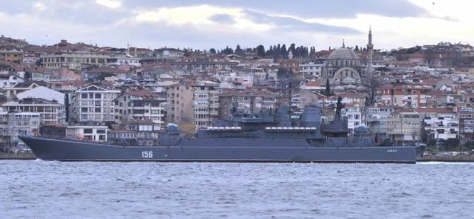 Rus Savaş Gemileri İstanbul Boğazından Geçti