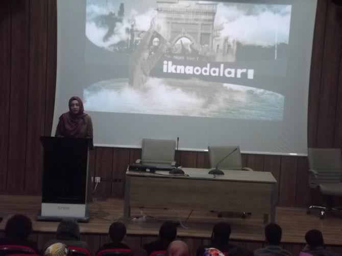 """Marmara Üniversitesinde """"İkna Odaları"""" Gösterimi"""