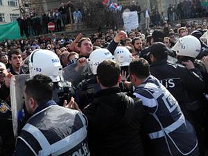Rize Mitinginde CHP'liler ve AK Partililer Karşı Karşıya