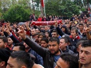 Fethiye'de HDP Binasına Saldırı