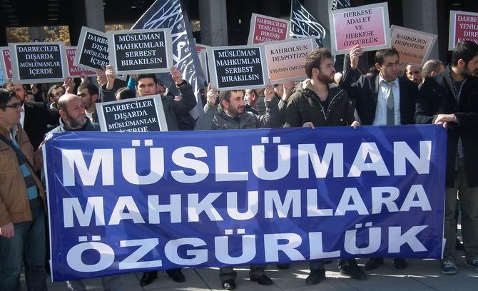 Özgür-Der: Müslüman Tutsaklara Özgürlük!