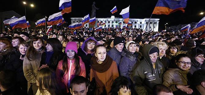 """Kırım'da Halk Rusya İçin """"Evet"""" Dedi"""