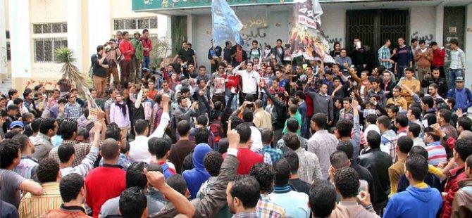 Mısır'da Gösterilere Yine Kanlı Müdahale: 5 Ölü