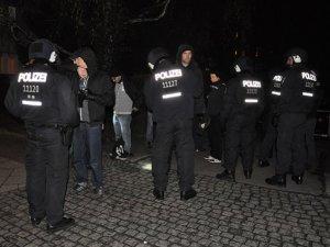"""Almanya'da """"Devlet Baskısı"""" Protesto Edildi"""