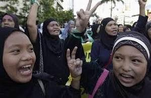 Filipinler'de Barış Anlaşması İmzalandı