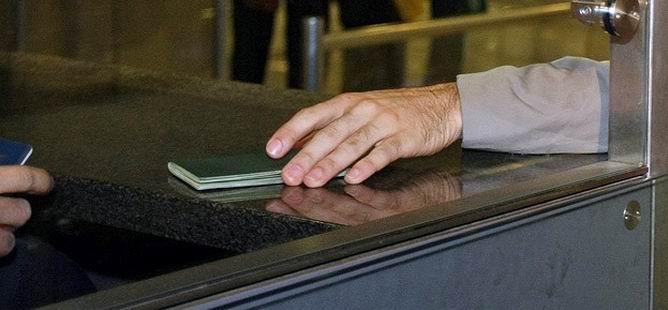 Gülen'in Yeşil Pasaportu İptal Edildi