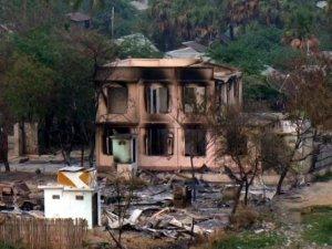 Myanmar'da Müslümanlara Ait Evler Yağmalandı