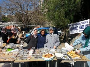 İzmir'de Suriye Halkıyla Dayanışma Kermesi